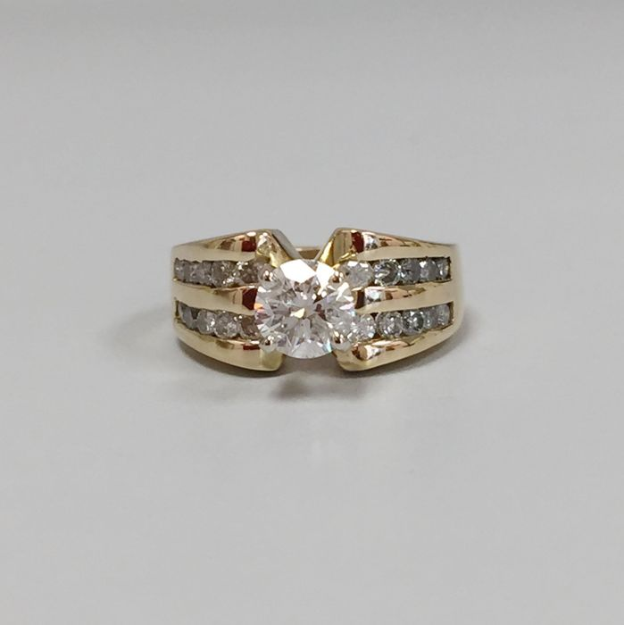 Diamond ring, 0.75 ct total - size 6.5