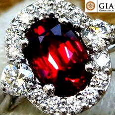 Ruby Ring Cocktail Diamond And 18 kt gold unheated Natural Red Ruby Gemstone 1.56 ct Size 6.5 – GIA Certified – No Reserve