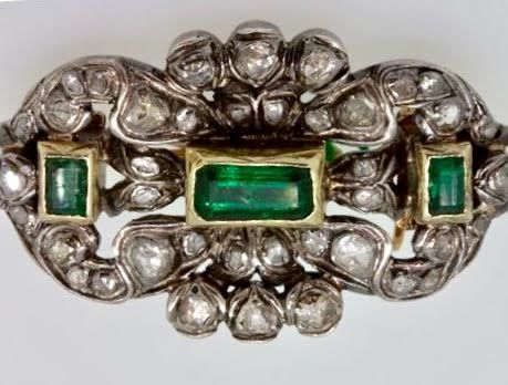 Gold and silver brooch with emeralds and rose cut diamonds – 19th century
