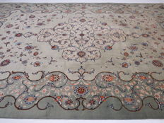 Very beautiful royal palace Persian carpet Kashan/Iran 448 x 290cm end of the 20th century. GREAT CONDITION - UNIQUE - with silk shine