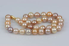 Cultured freshwater pearl necklace, multicolour, 11-12 mm, 14 kt yellow gold clasp, length: 44.5 cm