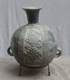 Pre Colombian, so-called aryballus decorated with birds - 19.7 cm