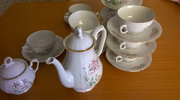 Richard Ginori, 12 piece tea-set in high-quality porcelain.