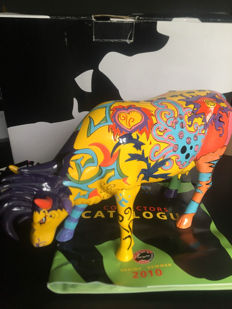 Emoo Cow Parade - Large - by Innocente Izucar