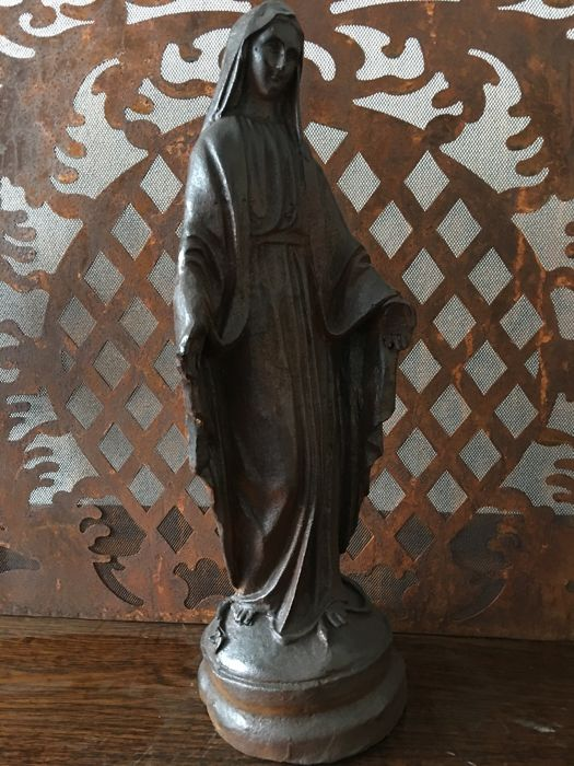 Cast iron Mary statue, Germany, late 19th century, original chapel statue!
