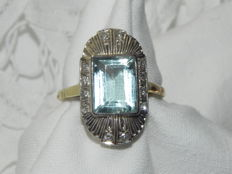 Art Deco gold ring made of 585 / 14 kt gold with aquamarine, circa 1930