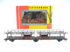 Fleischmann H0 - 4029 - Steam locomotive BR 80 of the DB + 3-axle vehicle transport wagon [222]