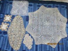 Lot of one tablecloth and five doilies - handcraft.