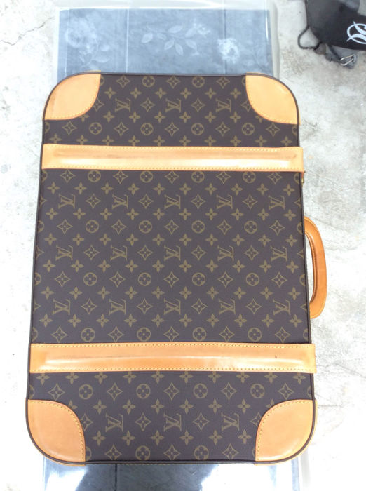 26a84a4335f Louis Vuitton - Stratos Travel Hand Bag - Catawiki