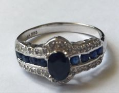 14kt White Gold Ring Midlnight Dark Sapphire  and 24 diamonds 0.1ct total - US7 - no reserve price