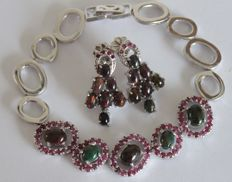 Silver earrings and bracelet with natural Rubies and Opals - Length: 20 cm