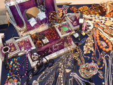 Large collection of decorative jewellery - over 170 pieces