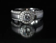 Diamond ring with 0.76 ct in total – 18 kt White Gold – H/SI1