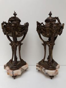 Louis 16th style-Two silver plated zamac coups with lid-France-ca. 1900