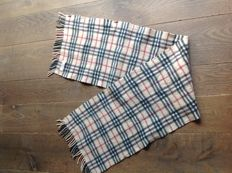 Burberry – chequered scarf