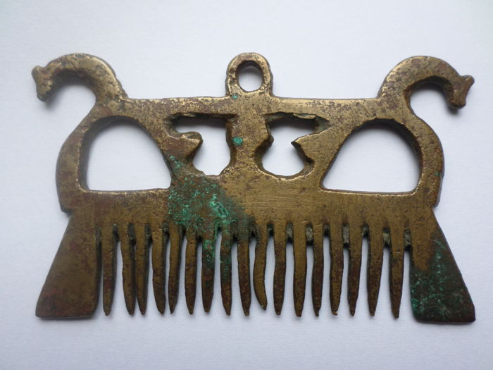 Early Medieval bronze viking comb with dragonheads - 79  mm