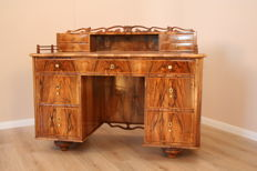 A Biedermeier walnut desk - Southern Germany - circa 1830