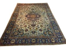 Dreamy and beautiful antique Persian carpet Tabriz/Iran 390 x 270