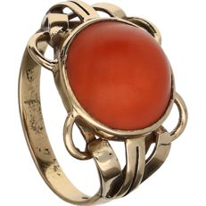 14 kt yellow gold openwork ring set with blood coral - ring size: 17 mm