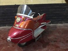 Red autopède scooter with round nose 1958