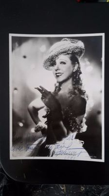 Lot of 5 original Yvonne Printemps autographs, French actress, Sacha Guitry 's wife.