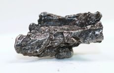 Uruacu - Oktaedrite IAB MG (Main group) - Iron Meteorite in 3D crystal form - with Widmanstätten structure - 5.05 x 2.90 x 2.05gm - 43.90gm