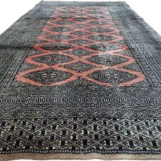 Bukhara - 175 x 93 cm.