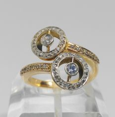 Yellow gold cocktail ring and 66 diamonds totalling 1 ct.
