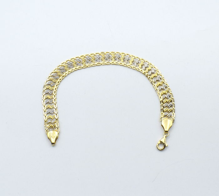 14 carat yellow  and white gold  bracelet  20 cm