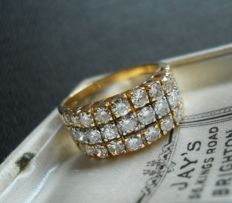18 ct Gold Diamond Ring/ Wide Band set with 1,4 Brillant cut Diamonds - band size 17 mm