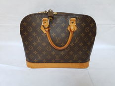 Louis Vuitton – Alma PM