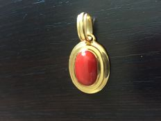 Pendant in 18 kt solid gold and red Sardinian coral - Total length: 4.5 cm