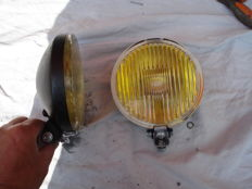 Two FOG LIGHTS of the brand RUHLA with a diameter of 150 mm from the 1980s and 1990s.
