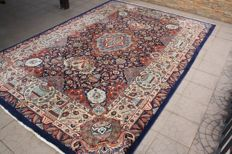 Beautiful Persian Iran Kashmar very finely handwoven 251x358 cm intricate design vibrant colours genuine vintage Iranian with certificate