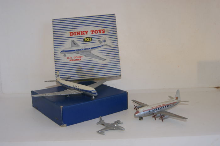 Dinky Toys - Scale 1/200 - D.H. `Comet` Jet Airliner No.702, Vickers Viscount 800 Air Liner B.E.A. No.708 and Lockheed Shooting Star No.70f