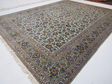Beautiful royal Persian palace carpet Kashan/Iran signed 396 x 305 cm, end of the 20th century. TOP CONDITION - top quality - oriental carpet ***top professional ecological cleaning***