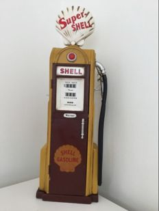 Shell - Metal fuel pump - based on a model from 1938