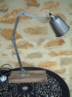 Unknown industrial designer -  table light by Memlite.