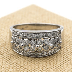 18 kt White gold cocktail ring with brilliant cut diamonds of 1.20 ct Ring size: 19 (Spain)