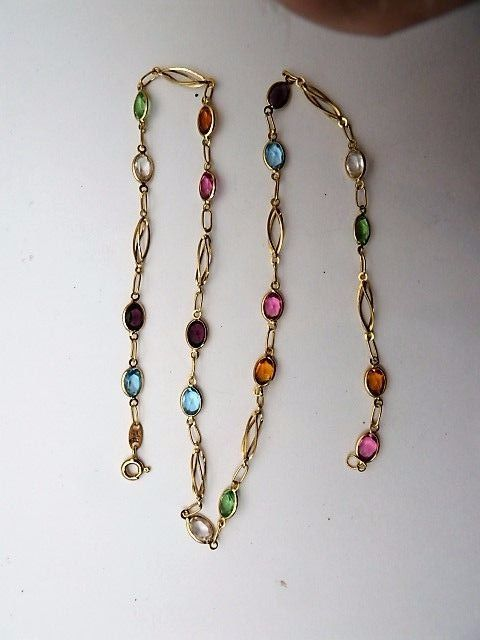 Multicoloured 18 kt yellow gold chain – 40.5 cm.