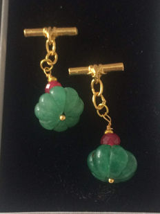 Vintage gilt silver with carved  Emerald and Ruby men's cuff links ca. 1970