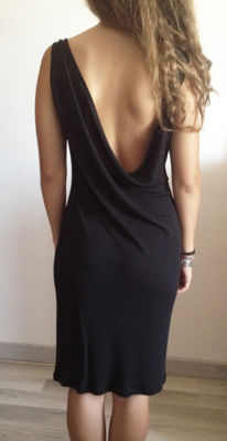 Versace - Black tube dress - Sexy - Elegant - Bare back - No sleeves with Medusa-shaped gold brooch