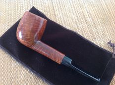 Peterson's Kildare, really beautiful cross grain & birds eyes, gorgeous pipe !!!!