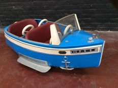 Autopède fairground item boat Diane from the year 1949