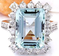 10.73 Carat Aquamarine 14K Solid White Gold Diamond Ring Size: 7 *** Free shipping *** No Reserve *** Free Resizing