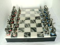 Chess set in tin, Asterix and Obelix.