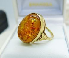 Vintage Amber 9K Gold Oval Ring