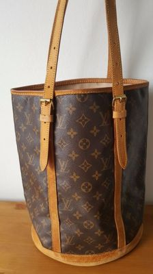 Louis Vuitton - Bucket GM - Shoulder bag