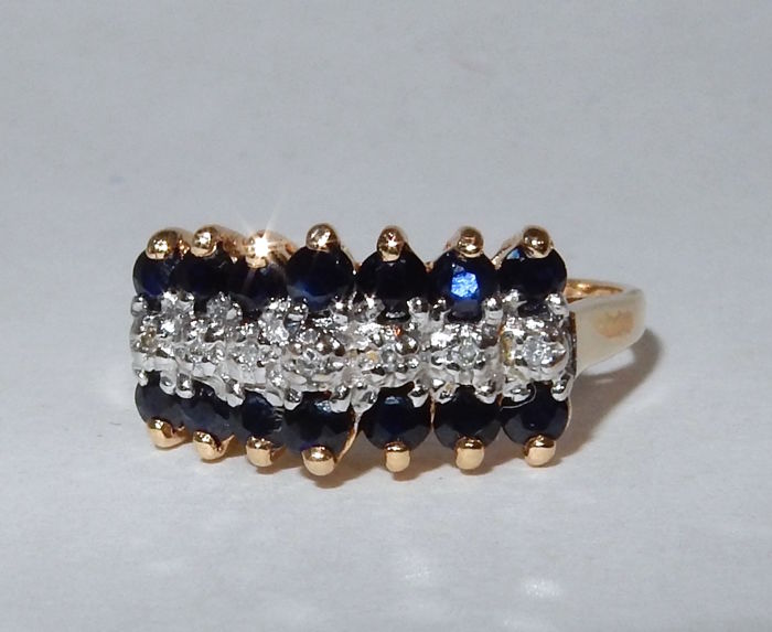 Splendid three-row ring in gold with Sapphires and Diamonds Total 1.33 ct.