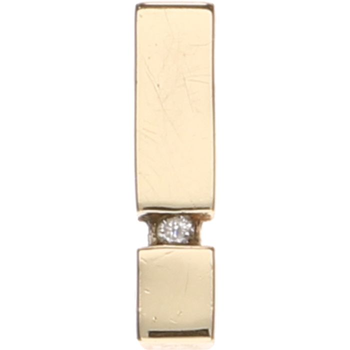 14 kt ellow gold pendant set with 1 brilliant cut diamond of approx. 0.01 ct – Length: 1.5 cm.